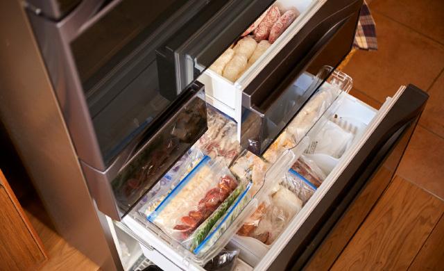 冷凍庫の引き出しを開けたところ