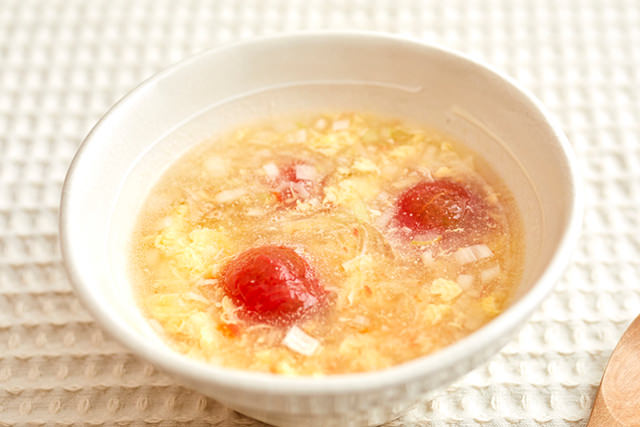 卵とトマトの春雨スープの写真