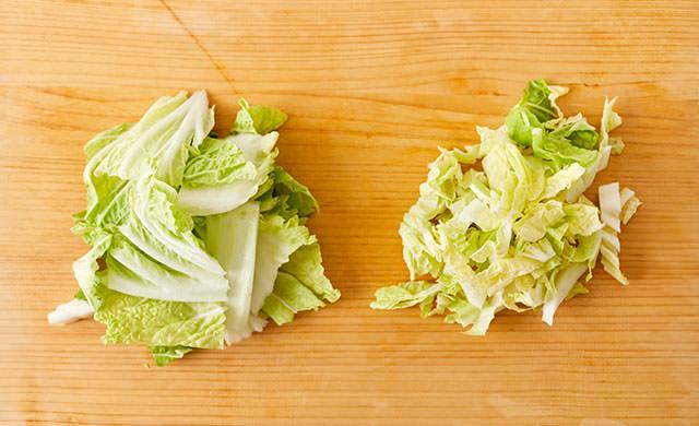 切った白菜2種類の写真