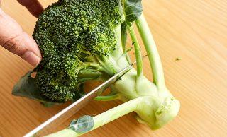 「ブロッコリーの茎」捨てないで。美味しい食べ方・切り方に注目!