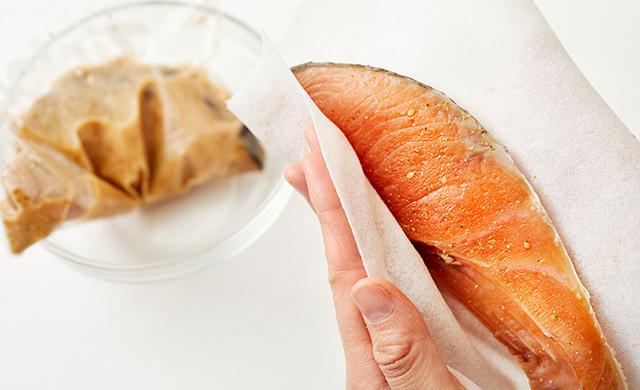 鮭のたれを拭く集合写真