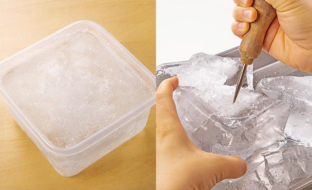 大きめの保存容器で作った氷の写真/大きめの保存容器で作った氷をアイスピックで砕いている写真