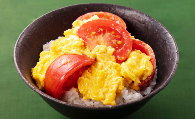 トマトと卵の中華炒め丼