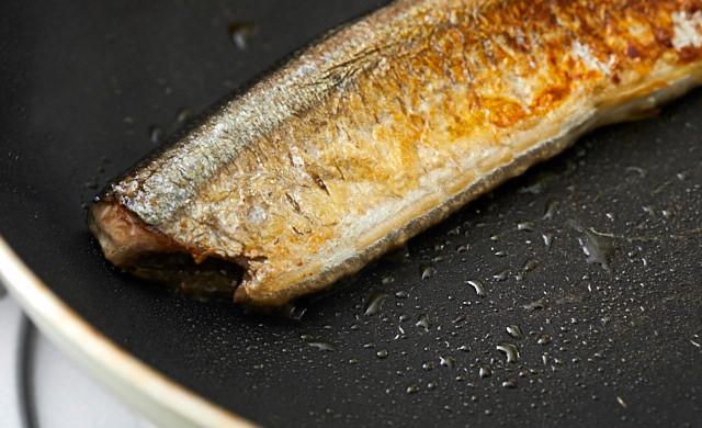 フライパンで焼いたさんまのヨリ写真