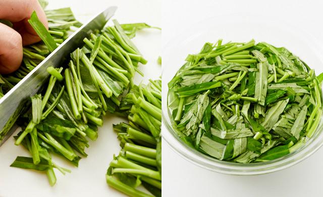 空芯菜をざく切りにしているところ/空芯菜を水にさらしているところ