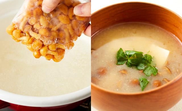冷凍したなめこを鍋のだし汁に投入している写真(左)なめこの味噌汁の写真(右)