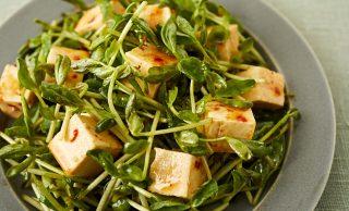 豆苗と豆腐のサラダの写真