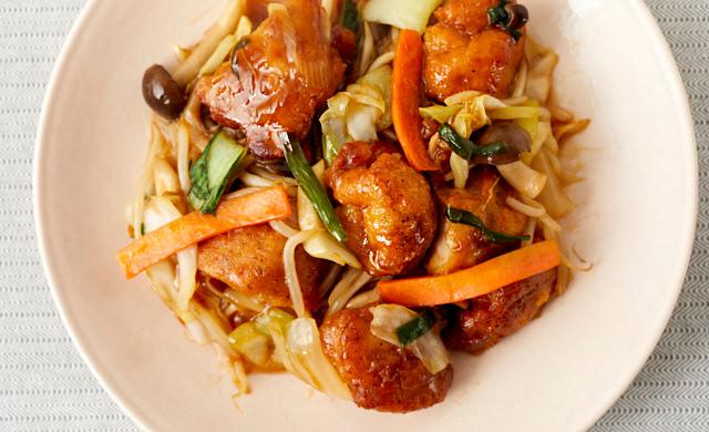 冷凍唐揚げと炒め野菜ミックスの甘酢炒めの写真