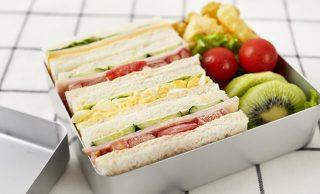 サンドイッチ弁当の写真