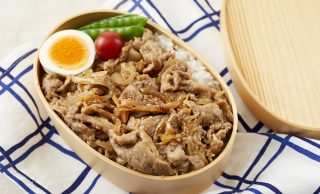 豚の生姜焼き弁当の写真