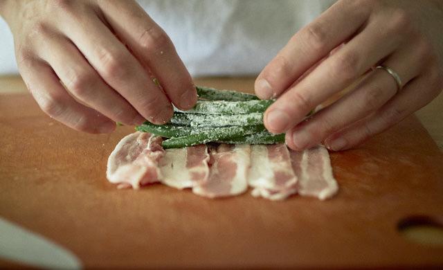 冷凍いんげんのジューシー肉巻きの調理写真