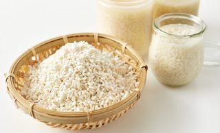塩麹と麹の写真