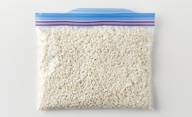麹を冷凍用保存袋に入れた写真