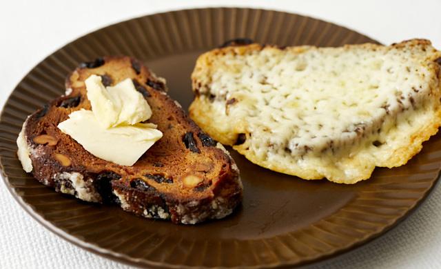バタートーストシュトーレン&チーズトーストシュトーレンの写真