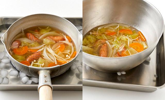スープを冷やしている写真