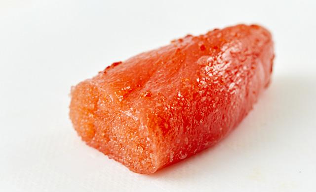 冷蔵庫で解凍した明太子の写真