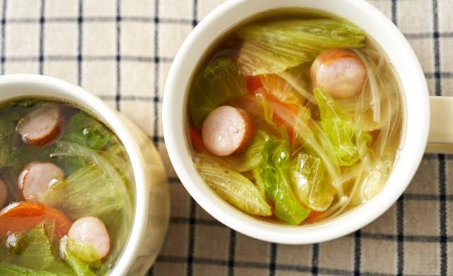 レタスのスープの写真