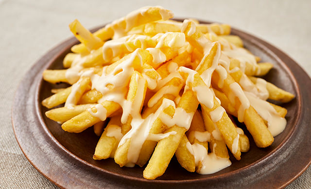 クリームチーズソースのフライドポテト